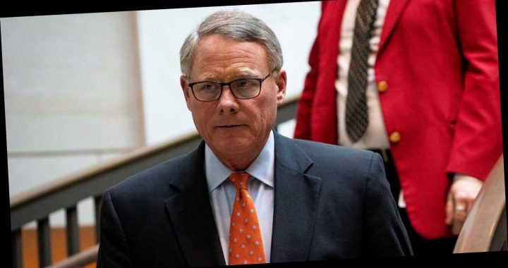 Sen. Richard Burr Is Asking The Ethics Committee To Investigate Himself For Selling Stocks After A Private Coronavirus Briefing
