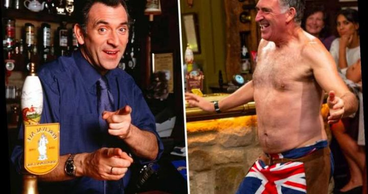 Emmerdale's Tony Audenshaw reveals bum-baring Woolpack scenes are his favourite from 20-year stint on soap