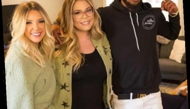 Kailyn Lowry Invites Devoin Austin on Podcast, Flips Middle Finger to Briana DeJesus!