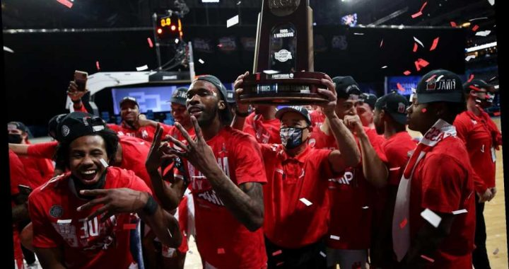 Houston owes no one an apology for historic road back to Final Four
