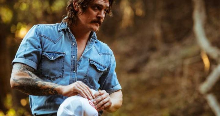 Country-Rock Troubadour Rob Leines Causes a Ruckus in New 'Good Time' Video