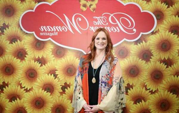 'The Pioneer Woman': Ree Drummond's Easy Ice Cream Sandwich Cake Will Be Your New Favorite Summer Dessert