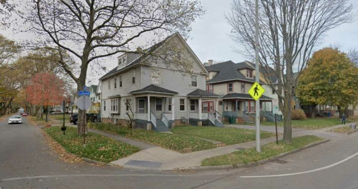 2 teens shot, 1 killed, while walking down Rochester street