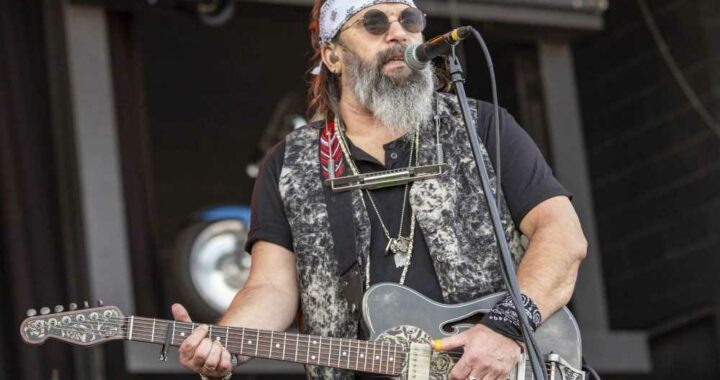 Steve Earle and the Dukes Announce Summer Tour Dates