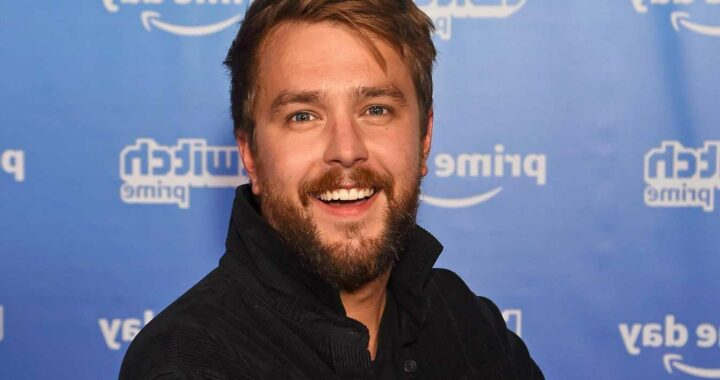 Love Island's Iain Stirling turned down sex party invite over fears women would recognise him because of his voice