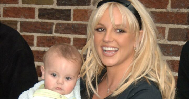 Born With A Silver Spoon: 10 Most Expensive Photographs Of Celebrities' Babies Ever Sold