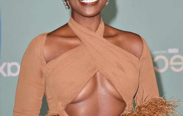 Issa Rae's favorite end of the day routine is 'stripping off that makeup'