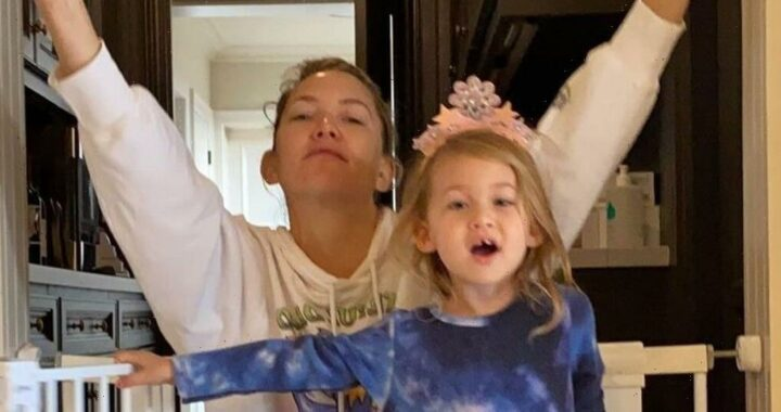 """Kate Hudson Forgot the Words to """"Girl on Fire"""" During a Mother-Daughter Singalong"""